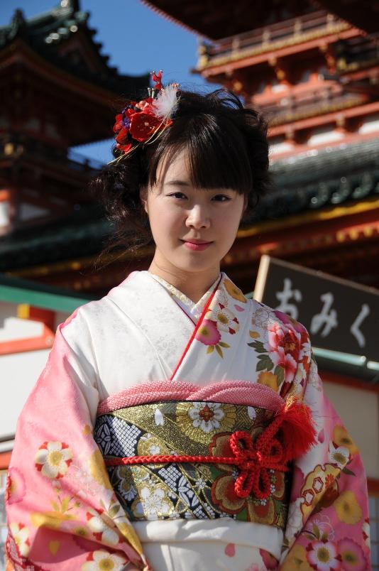 girl in pink kimono, closeup