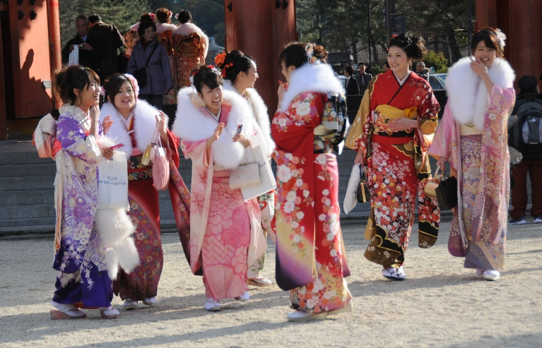 group of girls at heian shrine