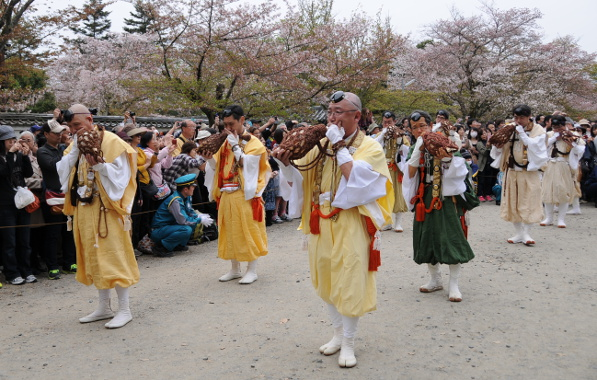 court musicians in the procession