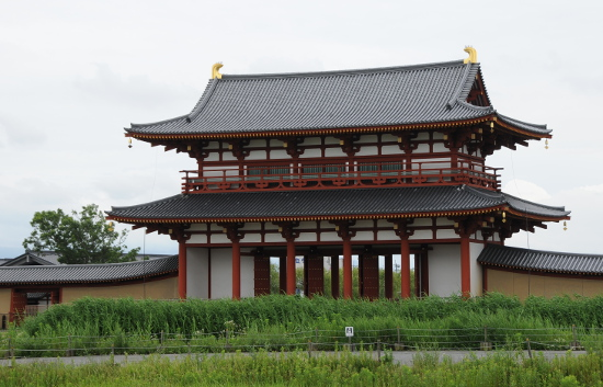 Suzakumon from the inside of the palace grounds