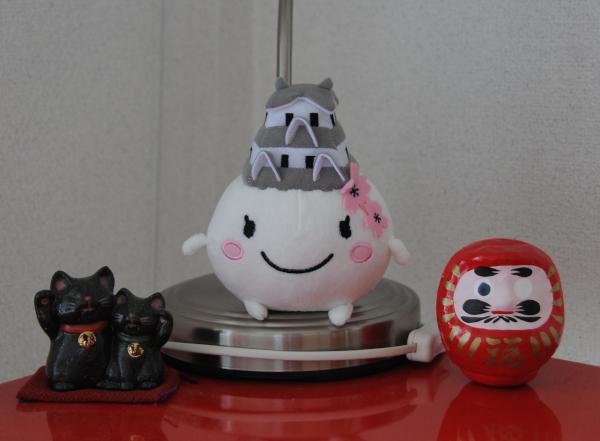 Shiromaruhime, the mascot of Himeji.
