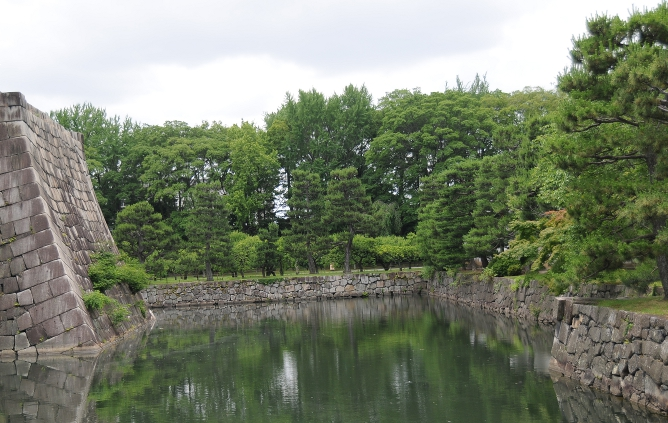 inner moat of nijo castle
