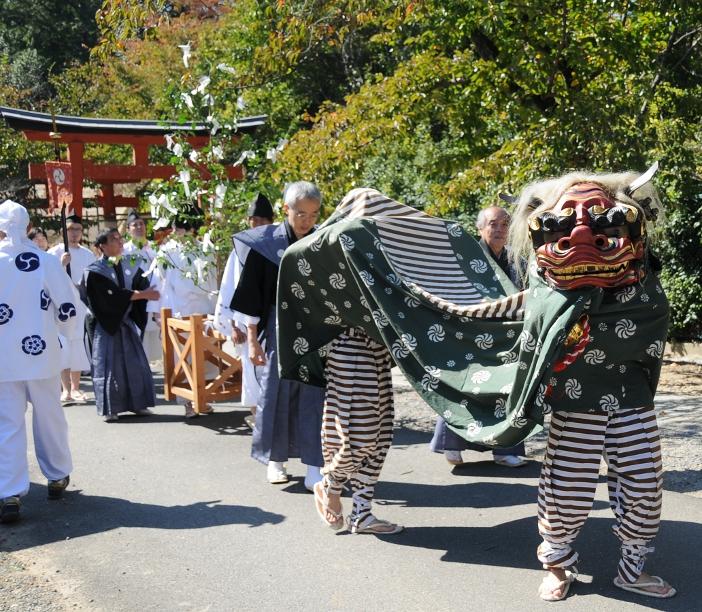Yoshida matsuri parade